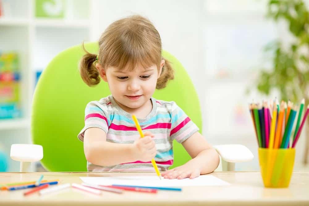 تعليم الاطفال القراءة والكتابة
