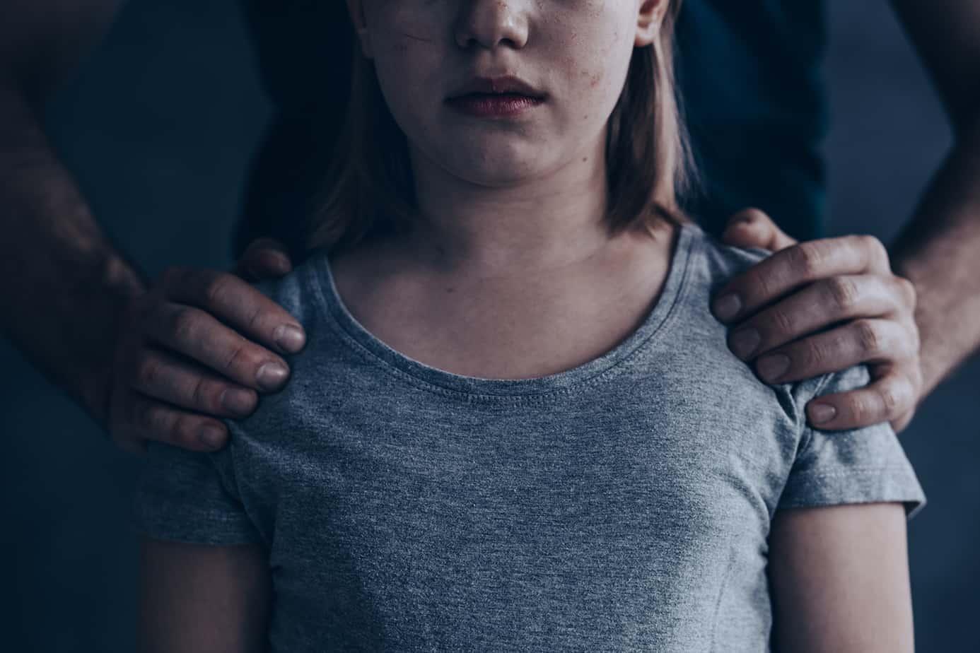 abused little girl P6SJ2GX